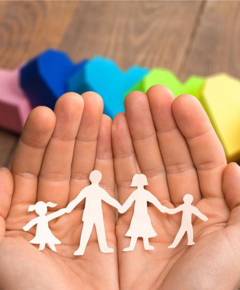 grupo de crianza dirigido por psicólogo infantil y de familia